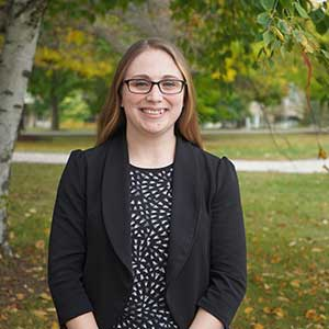 Advisor Christina Pratt headshot